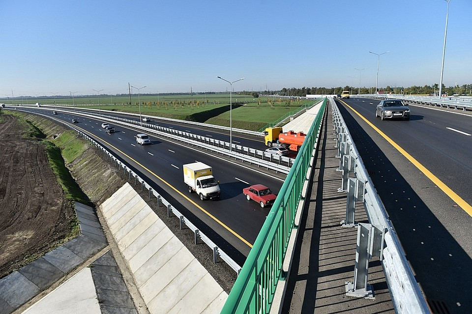 Въезды в Краснодар по М4 в районе аэропорта
